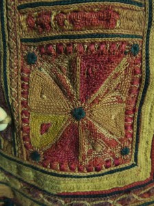 Mystery piece of ethnic embroidered headgear (6)