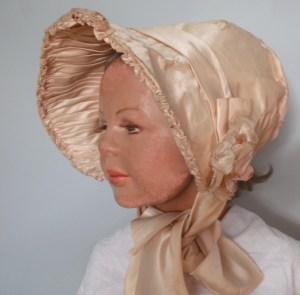 pale peach silk satin bonnet  new picture.Aug 2015