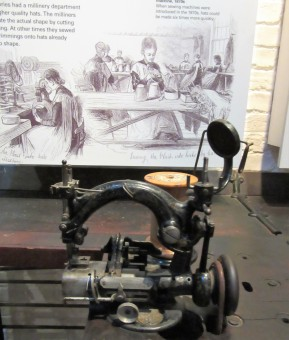 hat sewing-machine